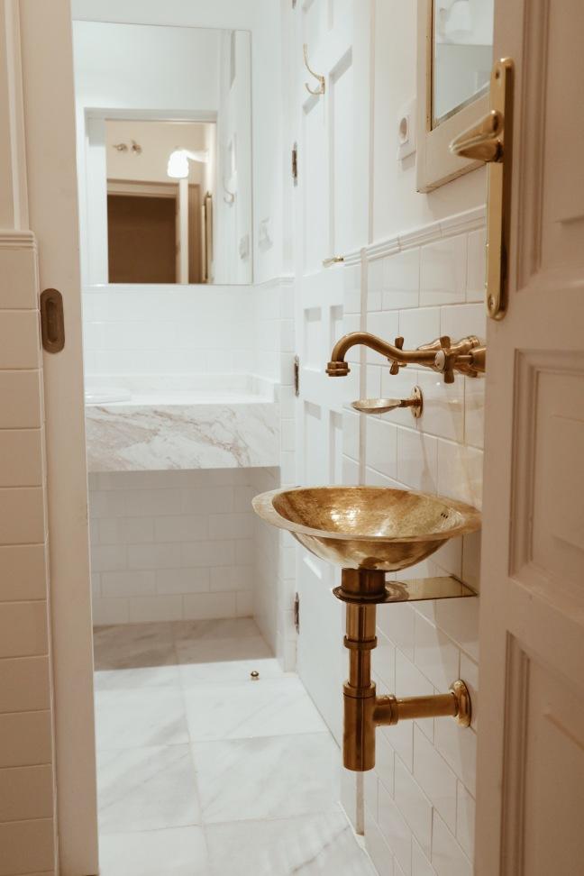 Baño de cortesía A75